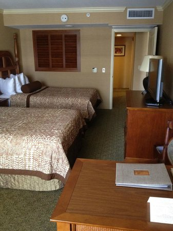 Outrigger Reef Waikiki Beach Resort: master bedroom