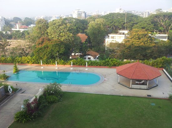 Vivanta - Trivandrum : View of the pool from our balcony :)