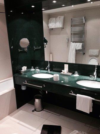 Palace Bonvecchiati: Bathroom