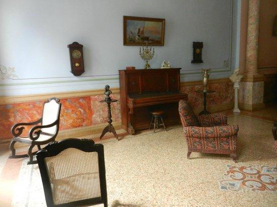 Casa Colonial 1830 : salone della casa