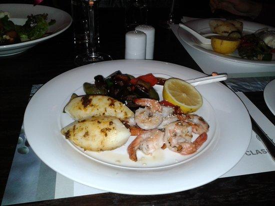 The Classic Hotel: cena al blue bar