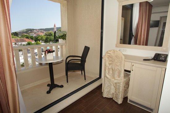 balcony (87829558)