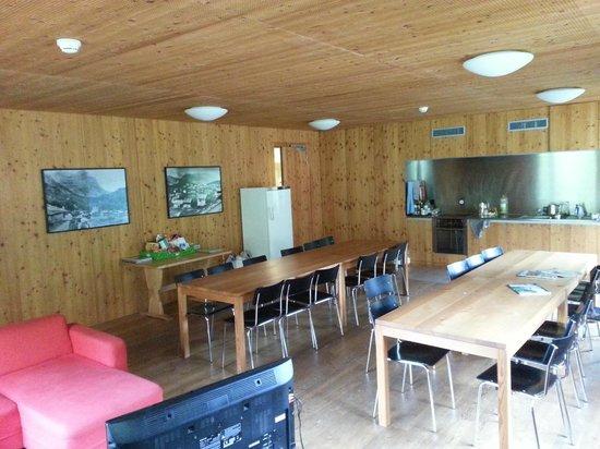 Ausserfererra, Suisse : Sala comune con cucina