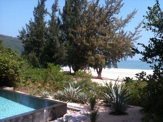 Bai Tram Hideaway Resort : View from our bedroom
