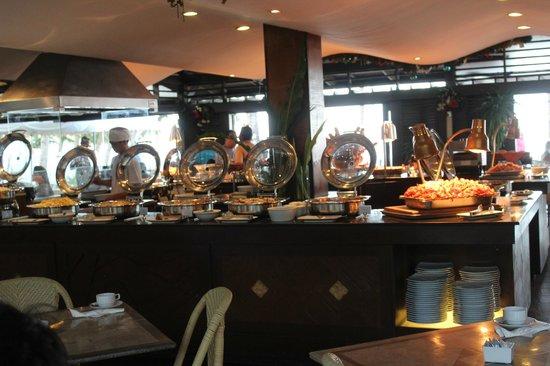 Boracay Regency Beach Resort & Spa: Sea Breeze Cafe Complimentary Breakfast