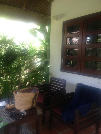 Mai House Resort: Bungalow 22 porch