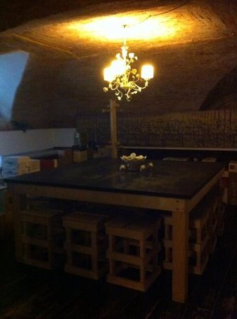 Osteria A Priori : tavolone di gruppo