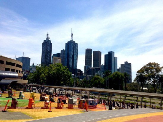 Arts Centre Melbourne: View of city all round.