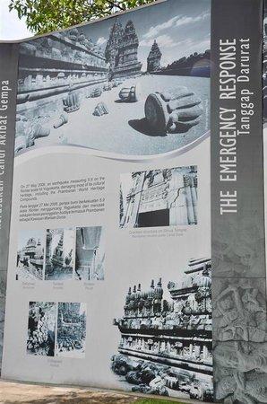 Temple de Prambanan : information @ restoring parts of the Prambanan Temples
