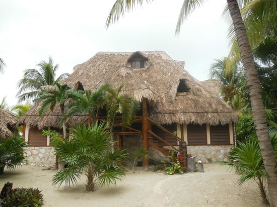 Beach Guesthouse Holbox Apartments & Suites: Front view