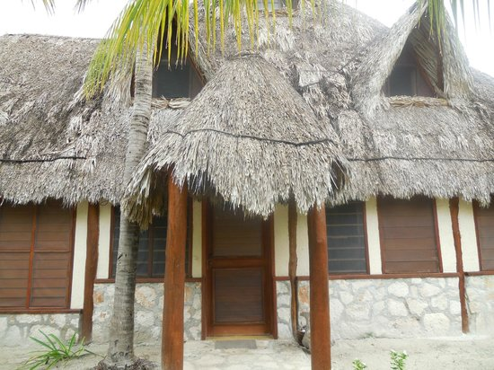 Beach Guesthouse Holbox Apartments & Suites: 2-bed room entrance
