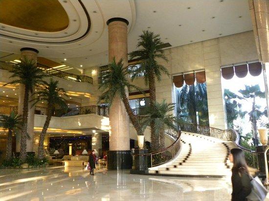Yucca Hotel: Hotel Lobby