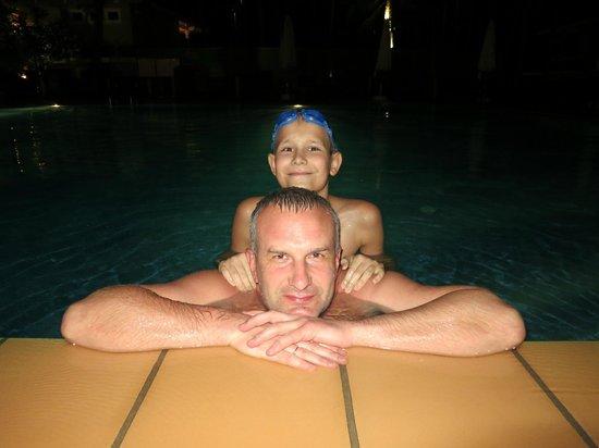 Amaryllis Resort & Spa: бассейн