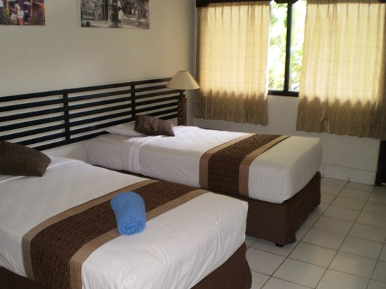 Legian Village Hotel: Clean, pleasant room