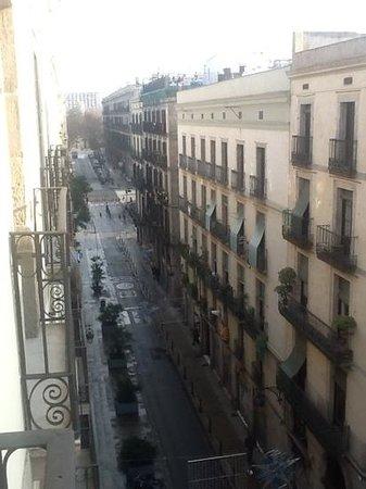 Hotel Ciutat de Barcelona: vie from the balcony