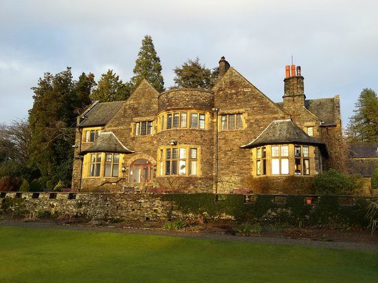 Cragwood Country House Hotel: Back of the hotel