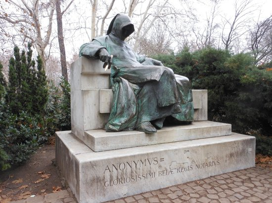Anonymus Szobor (Anonymous' Statue): Anonymus