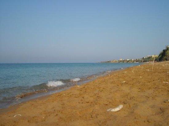 Hotel Bruskos: great beach