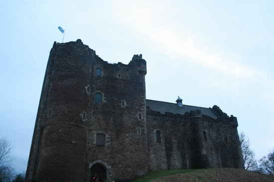 The Hairy Coo - Free Scottish Highlands Tour : Doune Castle