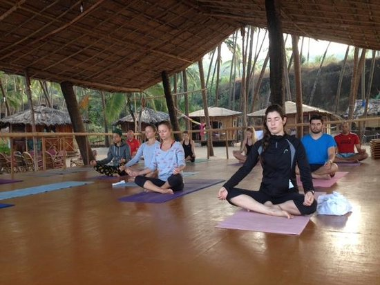 Little Cove Yoga Holiday Retreat: Yoga practice in the morning