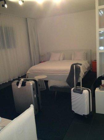 Blanc Kara: BED