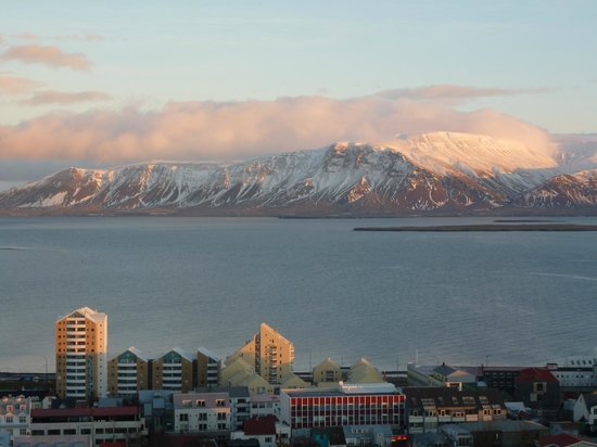 Reykjavik Lights by Keahotels : View of mountains and harbour
