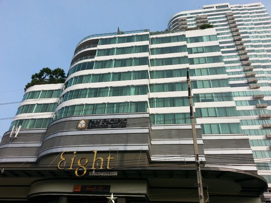 Akyra Thonglor Bangkok : the hotels rooms from outside
