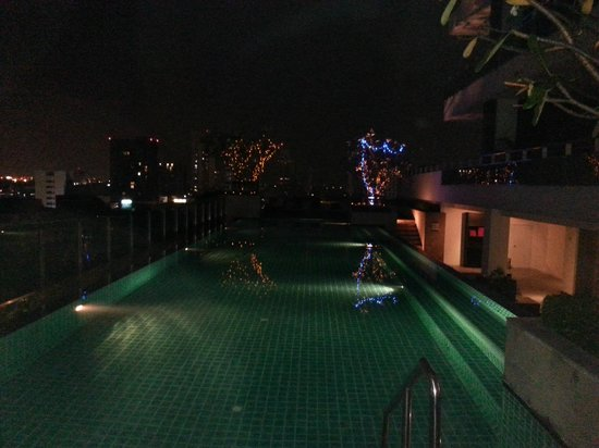 Akyra Thonglor Bangkok: The hotel pool
