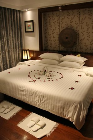 Ayara Hilltops Resort and Spa: Our bedroom upon arrival