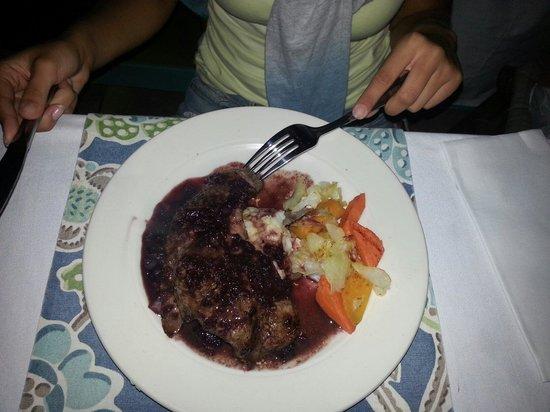 Tasty's Restaurant: Steak.
