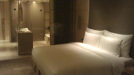 Hotel Nikko Saigon: Executive room on 21st floor