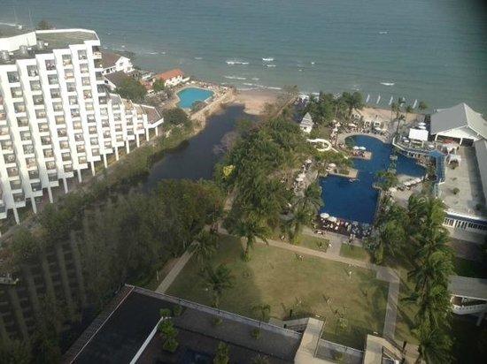 Novotel Hua Hin Cha Am Beach Resort and Spa: VIEW FROM MY BALCONY