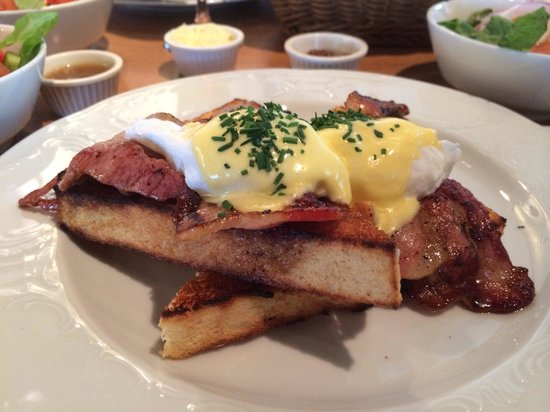 Classic NY benedict breakfast with bacon