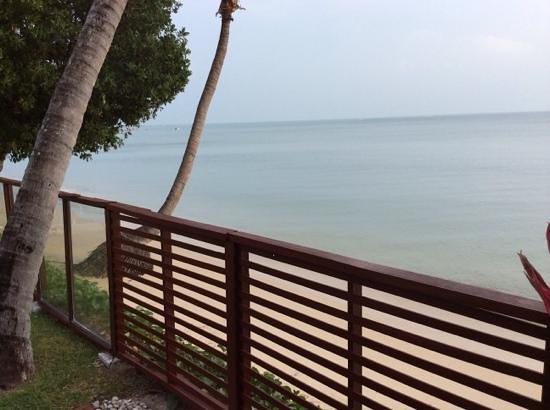 Pao Jin Poon Villas: вид на море