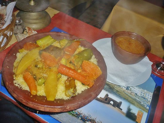 Restaurant Le Mogadorien : couscous poulet légumes!