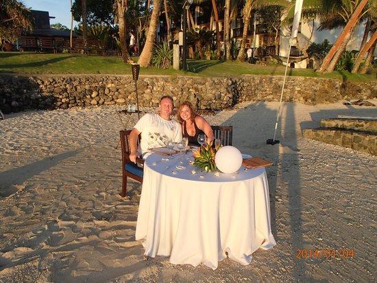 The Warwick Fiji : Romantic Beachside Dinner