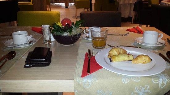 Aparthotel Vucko: Breakfast
