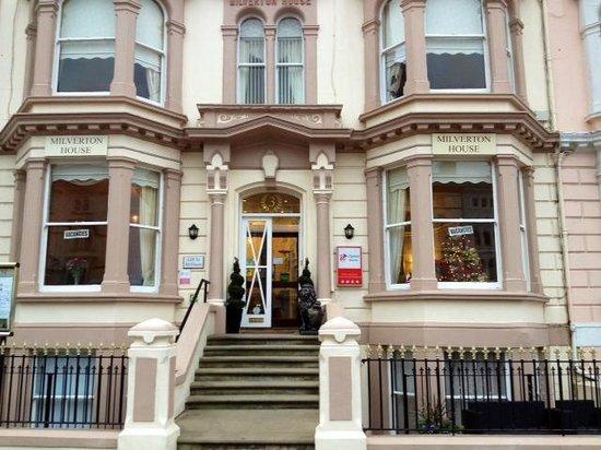 Milverton House: HOTEL FRONT