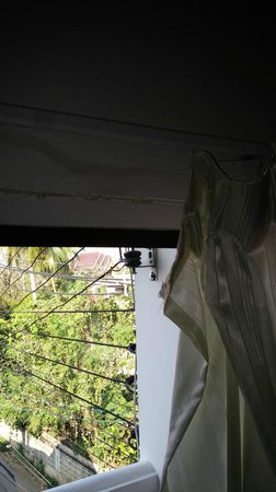 B.M.P. Residence: Broken curtains