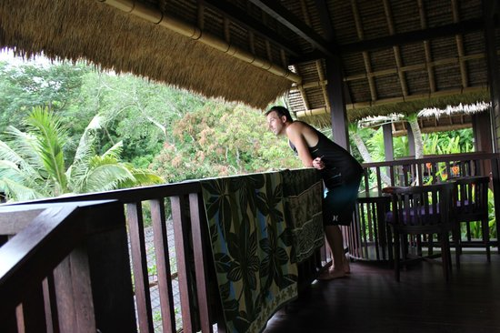 Song Lambung Beach Hut: On the patio of room looking at the surf