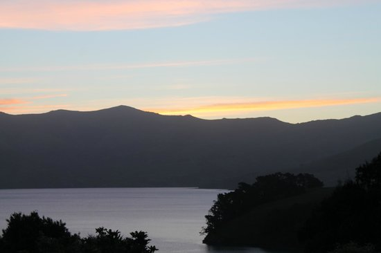 Akaroa TOP 10 Holiday Park: Sunset from our van