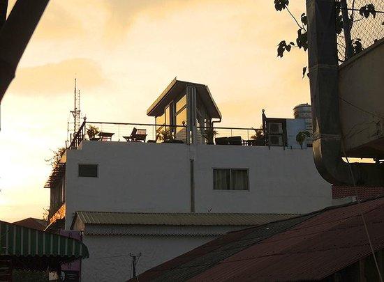 The Purple Mangosteen: Roof terrace