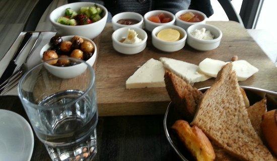 Gradiva Hotel: Turkish Breakfast