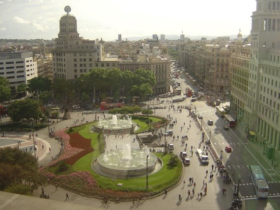 Ohtels Belvedere : View from the large store in Barcelon