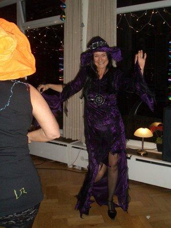 Hotel Niedersachsen : Höhepunkt zu Silvester - Auftritt der Hexe (Chefin)