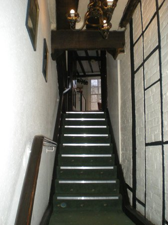 Cathedral Gate Hotel : Hotel Entrance