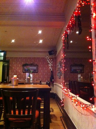 The Royal Hotel: The dining room decore