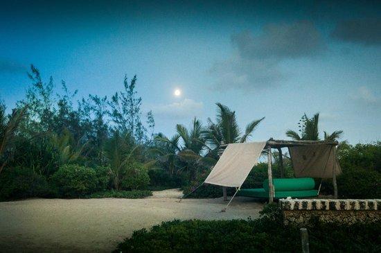 The Charming Lonno Lodge : Full Moon