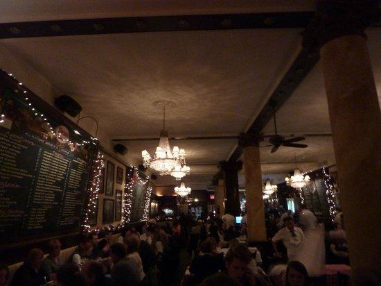 Tony's Di Napoli - Midtown: Ristorante