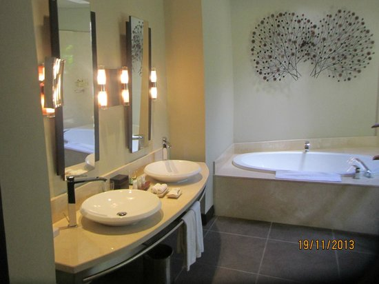 Beachcomber Trou aux Biches Resort & Spa: Bathroom